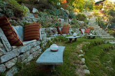 A Growing Obsession nous fait redécouvrir le Folly Bowl Garden, un jardin en amphithéâtre, imaginé par James Griffith en collabo...