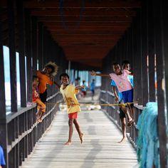 #HariAnak  Selamat Hari Anak Nasional 2015!  Anak Indonesia adalah masa depan bangsa Indonesia, mari kita semua bantu mewujudkan mimpi indah dan masa depan anak kita, anak Indonesia!  Ngomong-ngomong tentang anak-anak, Waktu kecil, permainan tradisional apa yang kamu sering mainkan bersama teman-teman?  #IndonesiaKaya