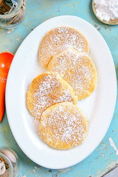 Moja smaczna kuchnia: Omleciki biszkoptowe z cukrem pudrem Yogurt Pancakes, Kids Menu, Healthy Breakfast Smoothies, Happy Foods, Polish Recipes, Sweet Desserts, Food Cakes, Food Dishes, Cake Recipes