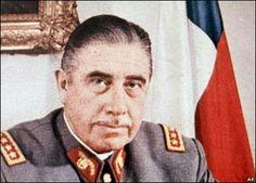 El Gran General Don Augusto Pinochet Ugarte al mando del pais.