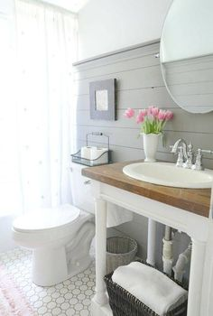Adorable 150 Stunning Farmhouse Bathroom Tile Floor Decor Ideas And Remodel To Inspire Your Bathroom https://roomadness.com/2018/05/03/150-stunning-farmhouse-bathroom-tile-floor-decor-ideas-and-remodel-to-inspire-your-bathroom/