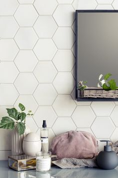 Mind Blowing Tips: Backsplash Diy Creative herringbone backsplash home depot.Subway Tile Backsplash Farmhouse herringbone backsplash home depot. Hexagon Backsplash, Beadboard Backsplash, Hexagon Tiles, Hexagon Tile Bathroom, Honeycomb Tile, Backsplash Cheap, Rustic Backsplash, Hex Tile, Travertine Backsplash
