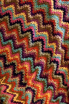 Ravelry: MossyOwls' Very Vintage V-Stitch-Ghan Ripple