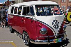 Mangenta Volkswagen Kombi Van