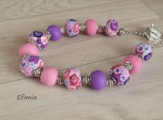 95.Collier Roses tons violet-rose