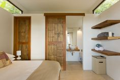Tropical Retreat - Bedroom with ensuite