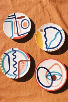 4 Different Designs Dimensions : 2 cm x 17 cm Handmade in Marrakech, Morocco Terracotta Clay Hand-painted by Laurence *Colours may vary slightly from the image online/actual product. Ceramic Clay, Ceramic Painting, Ceramic Pottery, Pottery Art, Painted Ceramic Plates, Hand Painted Pottery, Slab Pottery, Thrown Pottery, Pottery Wheel