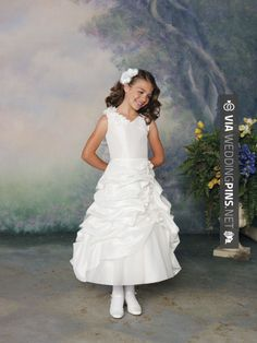 Nice - Princess sleeveless tulle dress for flower girl | CHECK OUT MORE GREAT FLOWER GIRL AND RING BEARER PHOTOS AND IDEAS AT WEDDINGPINS.NET | #weddings #wedding #flowergirl #flowergirls #rings #weddingring #ringbearer #ringbearers #weddingphotographer #bachelorparty #events #forweddings #fairytalewedding #fairytaleweddings #romance