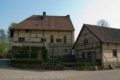 Pesaken (buurtschap van Gulpen), Vakwerkhuis met schuur.