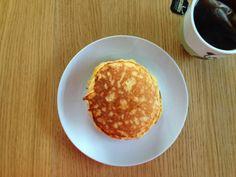 Gunns momsemat: Yoghurtpannekaker med eple Breakfast, Food, Morning Coffee, Essen, Meals, Yemek, Eten
