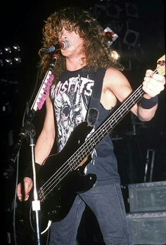 Jason Newsted of Metallica Cliff Burton, Robert Trujillo, James Hetfield, Jason Newsted Metallica, Metallica Concert, Heavy Metal Music, Thrash Metal, Music Photo, Metalhead