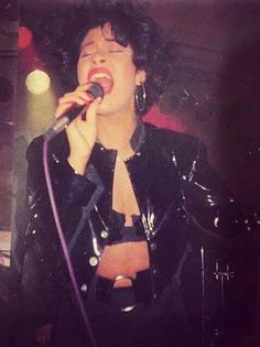 Selena Quintanilla Perez, I Miss Her, Badass Women, Her Music, Aesthetic Clothes, My Girl, Cool Hairstyles, Singer, Tex Mex