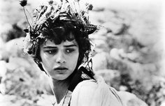 The Best Flower Crowns of All Time—Past and Present