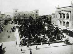 Αθήνα. Η πλατεία Λουδοβίκου (σημερινή πλατεία Κοτζιά). Το Μέγαρο Β. Μελά και το Δημοτικό Θέατρο, περ. 1903-1923