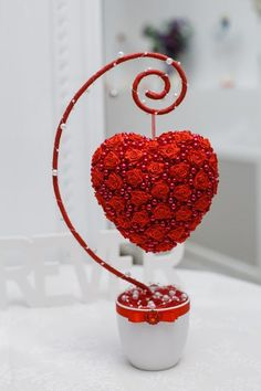 1 million+ Stunning Free Images to Use Anywhere Valentines Day Decorations, Valentine Day Crafts, Christmas Crafts, Valentine Flowers, Wedding Decorations, Flower Crafts, Diy Flowers, Paper Flowers, Beaded Flowers