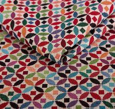 poťahová látka žakarového typu Quilts, Blanket, Bed, Products, Stream Bed, Quilt Sets, Blankets, Log Cabin Quilts, Beds