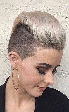 A perm hairstyle women hairstyles long womens hairstyles bangs hair cut,finger dried hair styles curly hairstyles for prom. Short Hair Dont Care, Edgy Short Hair, Short Hair Cuts For Women, Short Hair Styles, Natural Hair Styles, Pixie Undercut, Pixie Haircut, Undercut Hairstyles, Pixie Hairstyles