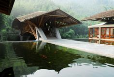 Crosswaters Ecolodge in China by Simón Vélez, architect and pioneer in the contemporary use of bamboo as an essential building component. (The beautiful bridge reminds me of a rabbit leaping a small gap) Bamboo Architecture, Tropical Architecture, Sustainable Architecture, Amazing Architecture, Interior Architecture, Bamboo Building, Old Building, Bamboo Structure, In China