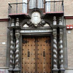 """#Granada - Colegio Notarial - 37º 10' 44"""" -3º 36' 7"""" / 37.178889, -3.601944  Foto de Arturo Gámez. Frente al Colegio Mayor de San Bartolomé (antiguo palacio de los Beneroso) se encuentra este magnífico edificio, una muestra más de los edificios civiles de la ciudad."""