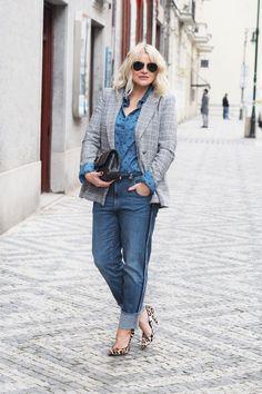 Jaký je váš nejoblíbenější denim outfit? Kolik džínů máte ve skříni?#skolastylu #inspirace #styling #jakseoblekat #jaknosit #denim Mom Jeans, Zara, Chic, Pants, Outfits, Style, Fashion, Shabby Chic, Trouser Pants
