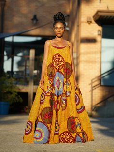 African fashion is available in a wide range of style and design. Whether it is men African fashion or women African fashion, you will notice. African Inspired Fashion, African Print Fashion, Africa Fashion, Ethnic Fashion, Look Fashion, Fashion Prints, African Prints, Ankara Fashion, Nigerian Fashion