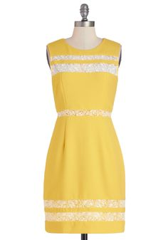 Blogging on Sunshine Dress   Mod Retro Vintage Dresses   ModCloth.com