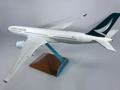 JC Wings Cathay Pacific A350 B-LRA Item # XX2211A