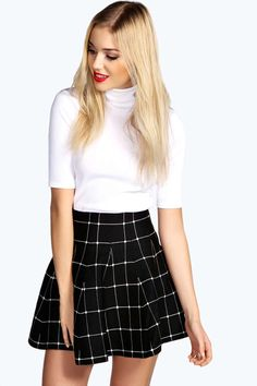 Therefore, nailing the ideal look demands balance. A brief mini skirt and white top in this Fall is a good method to add visual interest to your outfit. Skater Skirt Outfit, White Skater Skirt, Skirt Outfits, Dress Skirt, Cute Girl Outfits, Casual Outfits, Simple Outfits, Outfits Blanco, Cute Skirts