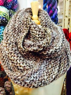 Outlander Infinity Cowl 17 or mm, Circular Knitting Needles Yarn Weight: Super Bulky/Super Chunky Garter stitch in the round Knitting For Beginners, Easy Knitting, Loom Knitting, Knitting Patterns Free, Knit Patterns, Knitting Needles, Free Pattern, Finger Knitting, Knitting Machine