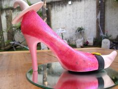 GLINDA en Monster Rose. Zapatillas de chocolate especial de Halloween. www.lamansionrosa.com