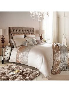 Kylie Minogue Mezzano Rose Gold Super King Duvet Cover For Ellie Blush Bedroom Decor, Bedroom Ideas Rose Gold, Rose Gold Bed, Rose Gold Comforter, White And Gold Bedding, Rose Gold Duvet Cover, Dream Bedroom, Master Bedroom, Bed Sets