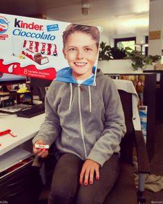 Kinder kid! (ft. @rachelrominger) #R2life #bookface...
