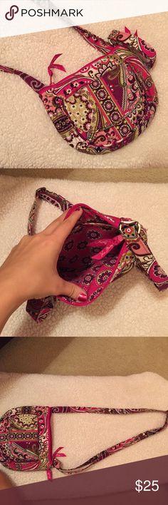 Selling this Vera Bradley Crossbody on Poshmark! My username is: emmaeleanora. #shopmycloset #poshmark #fashion #shopping #style #forsale #Vera Bradley #Handbags