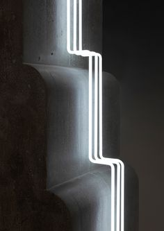 Morgane Tschiember Creates Angular, Neon-Lit Sculptures That Toy With Perception - IGNANT Concrete Sculpture, Concrete Forms, Sculpture Art, Metal Sculptures, Abstract Sculpture, Bronze Sculpture, Artistic Installation, Light Installation, Art Installations
