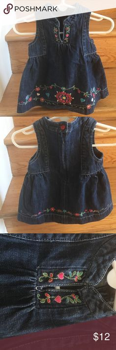 Baby Gap Jean Dresd Sleeveless Baby Gap Jean Dress with a pretty floral design. Cute worn alone for spring/summer or paired with long sleeves and leggings for fall/winter. Zipper closure in the back. GAP Dresses Casual
