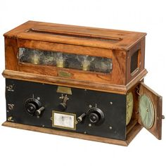 Pericaud Radio-Secteur, c. 1925 : Lot 330
