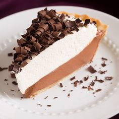The BEST and the EASIEST chocolate mousse pie! So rich, so fluffy, so chocolatey and so creamy. A must try for chocolate lovers!