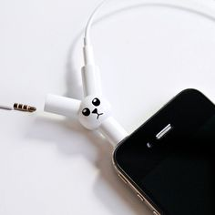 earphone splitter - This earphone splitter lets you and a friend listen to the same music on one device. The Jack Rabbit Headphone Splitter resembles a little white ra. Gadgets And Gizmos, Technology Gadgets, Tech Gadgets, Cool Gadgets, Music Gadgets, Phone Gadgets, Cadeau High Tech, Headphone Splitter, Drums Beats