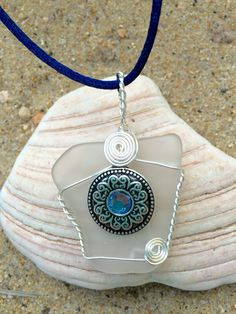 #817 Blue Stone on Clear Seaglass - S