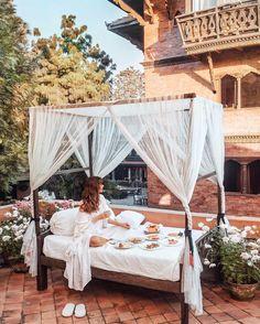 Tara Milk Tea, Outdoor Retreat, Al Fresco Dining, Landscape Pictures, Africa Travel, Luxury Life, Outdoor Furniture, Outdoor Decor, Beautiful Places