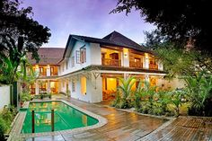 The state of Kerala in the southwestern tip of the country is a popular destination for its beautiful beaches and lush scenery. Le Colonial in the city of Cochin is a 16th-century home that has seen many residents, from Portuguese and Dutch governors to a British tea trader.