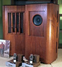 DAGOGO Review: Line Magnetic Audio LM 755i field coil speaker