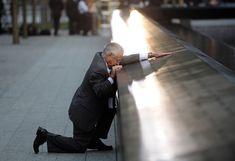 Un homme se recueille pour son fils, mort durant le 11 septembre Alors cessont de nous déchirer pendant que nous sommes encore en vie
