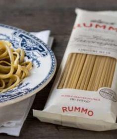 Prémiové italské semolinové těstoviny výborně absorbují omáčku a vždy zůstávají al dente! Dairy, Cheese, Cookies, Food, Al Dente, Crack Crackers, Eten, Cookie Recipes, Meals