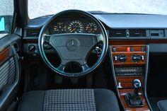 Mercedes-Benz 320 E Sportline (W124, 1993). © Eric Lund (Photo taken in Sweden, 2011.)