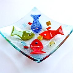 Fused glass fish plate