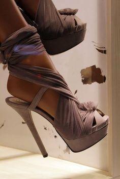 heels; wrap