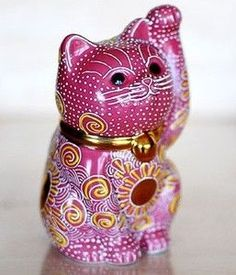 Japanese Kutani Porcelain Pottery Maneki Neko Welcome Lucky CAT PINK cute