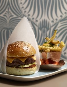 Burger & Fries - Image by Jean-François Piège Fries Image, Pasta Shop, Best Restaurants In Paris, Burger And Fries, Burgers, Paris Kitchen, Bistro Food, Paul And Joe, Looks Yummy