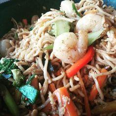 Chow mein w/shrimps